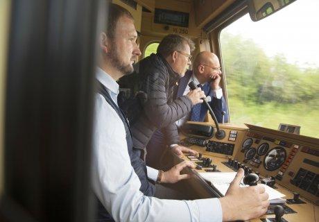 Verkehrsausschuss besucht SAB - BM Münzing und Lokführer Grossmann