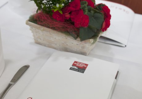 Unterzeichnung Verkehrsvertrag SAB GmbH Netz 50 Tischdekoration