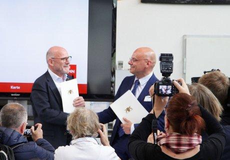 Unterzeichnung Verkehrsvertrag SAB GmbH Netz 50