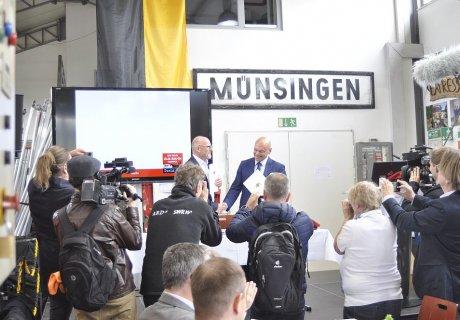 Unterzeichnung Verkehrsvertrag SAB GmbH Netz 50 Presserummel
