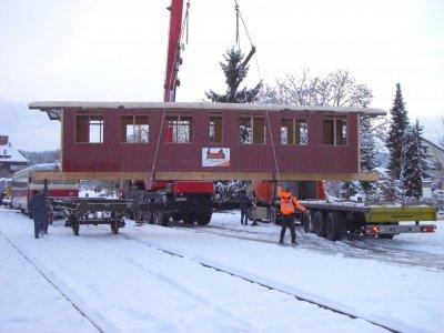 SAB Wagen 2703 Wacholderbar Anlieferung des erneuerten Wagenkastens